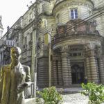 Museu do Café na parada de Cruzeiro em Santos