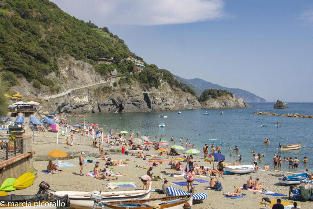 praia Cinque Terre Liguria no verão