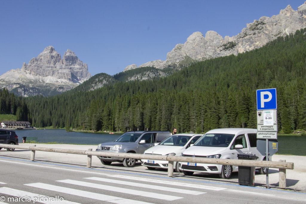 dirigir na Itália estacionamento