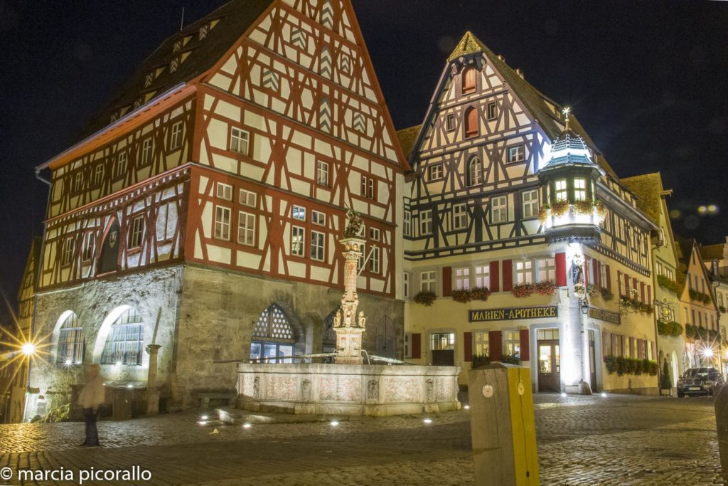 Rothenburg ob der Tauber Alemanha noite