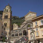 Catedral de Amalfi: relíquia entre paisagens arrebatadoras